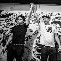 secret walls  26/09/2013 - semifinále slakinglizard vs plumm